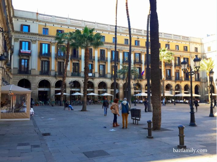 Plaça Reial (Plaza Royal)