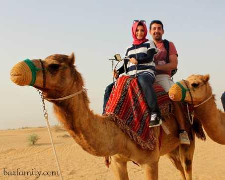 Dubai Çölde Safari'de Deve Turu